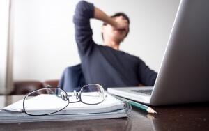 週末起業に失敗する4つの理由!失敗のリスクが少ないビジネスとは?