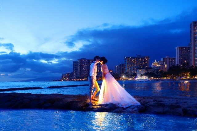 会社員の週末起業におすすめ!楽しく効率的に稼げる婚活アドバイザー