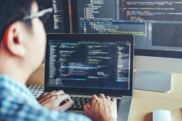 Web制作の週末起業で稼ぐには、強みや差別化がポイント